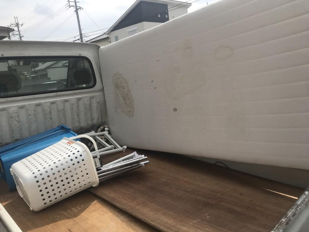 【和歌山市】シングルベッドなど軽トラック1台程度の不用品回収☆追加での不用品回収にも対応し、大変満足していただきました!