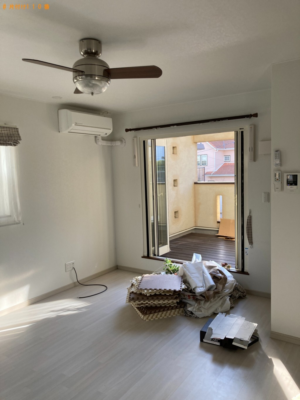 カーテン等の回収と照明器具の取り外し・新居に取り付け